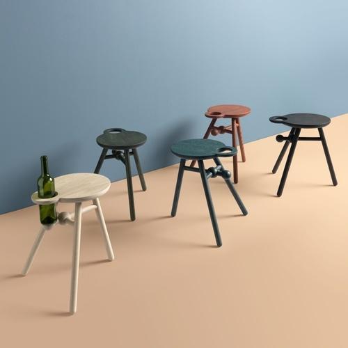 pode-bijzettafel-bottle-stool-1.jpg
