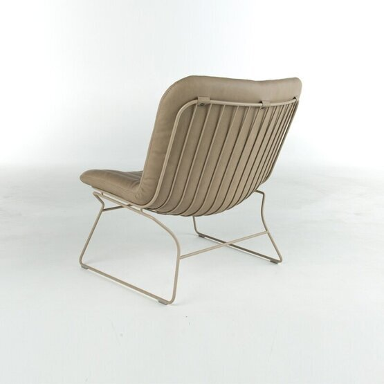 bert-plantagie-fauteuil-draat-3.jpg