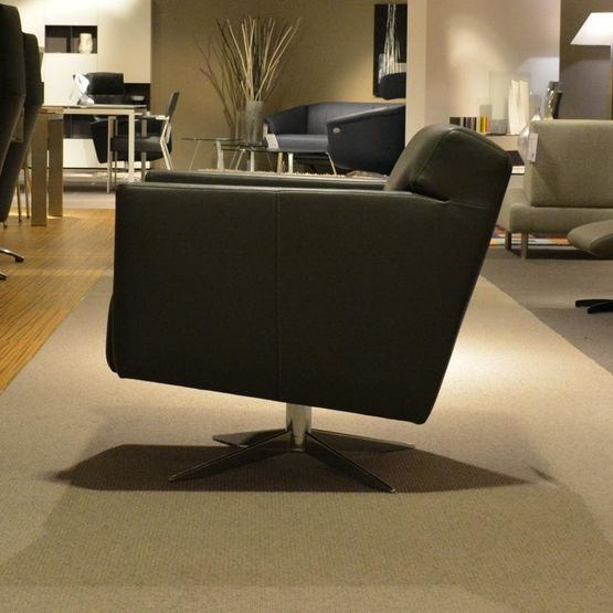 fauteuil-chris-jame-1.jpg