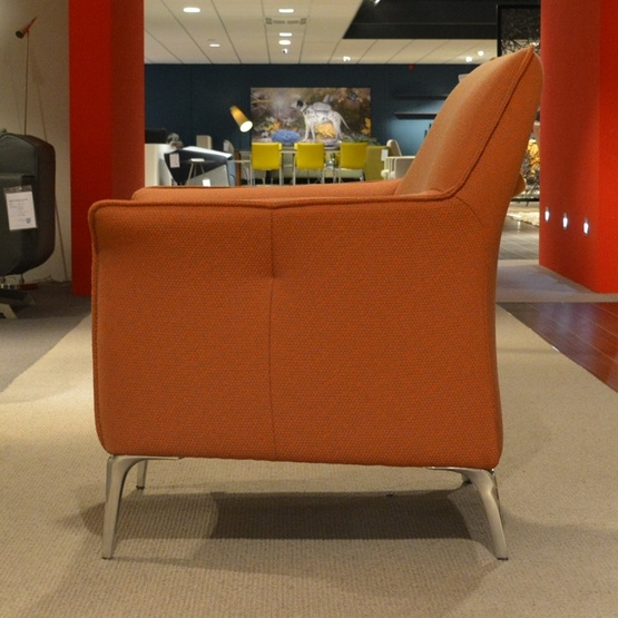 fauteuil-mayuro-leolux-1.jpg