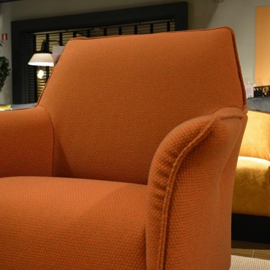 fauteuil-mayuro-leolux-3.jpg
