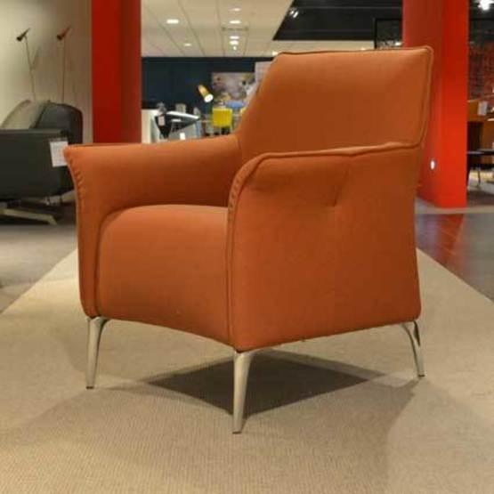 fauteuil-mayuro-leolux.jpg