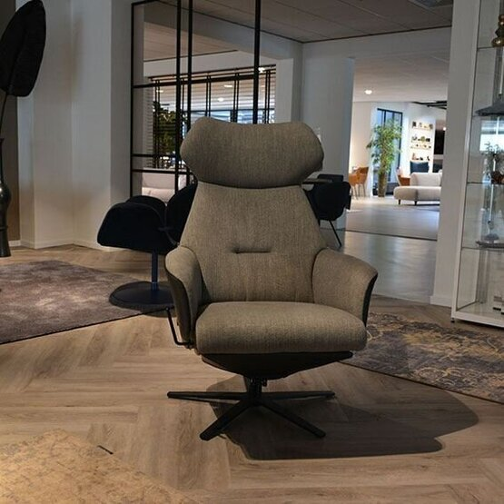 gealux-relaxfauteuil-thrones-2006-medium-02.jpg