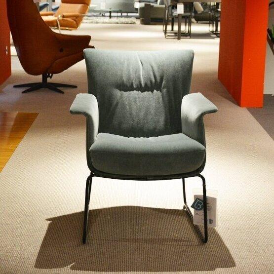 jori-aida-laag-fauteuil-bastiaansen-wonen-2.jpg