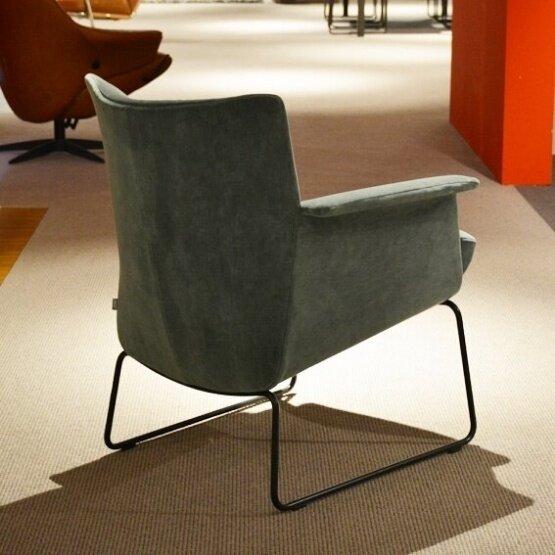 jori-aida-laag-fauteuil-bastiaansen-wonen-3.jpg