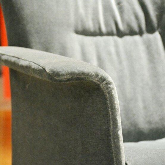 jori-aida-laag-fauteuil-bastiaansen-wonen-4.jpg
