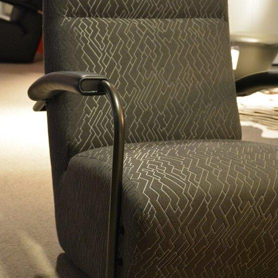 leolux-fauteuil-scylla-hoog-3.jpg