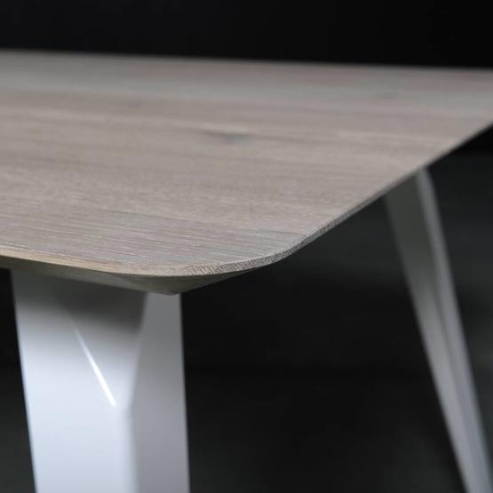 seuren-tafel-spike-3.jpg